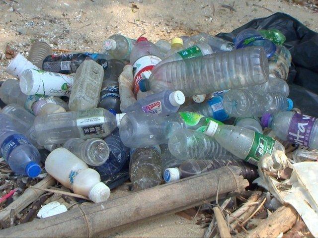 مقامات مالزی: کانتینرهای حامل زباله وارداتی عودت داده می شوند