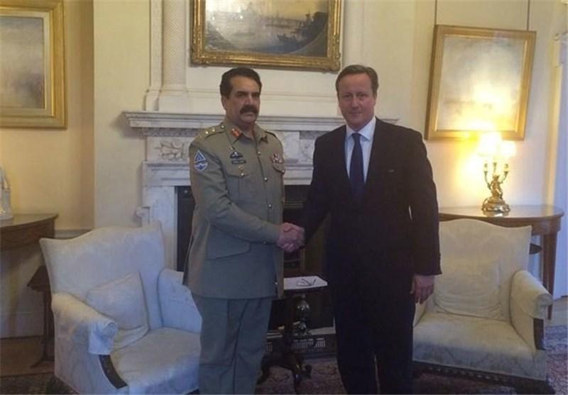 رئیس ستاد ارتش پاکستان با مقامات انگلیس درباره اوضاع امنیتی منطقه مصاحبه کرد