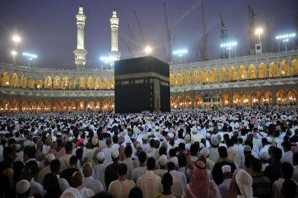 عربستان، بوسیدن و لمس خانه خدا را برای جلوگیری از شیوع کرونا ممنوع نمود