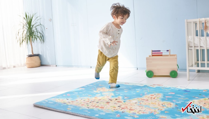 راه رفتن بچه ها روی فرش جادویی