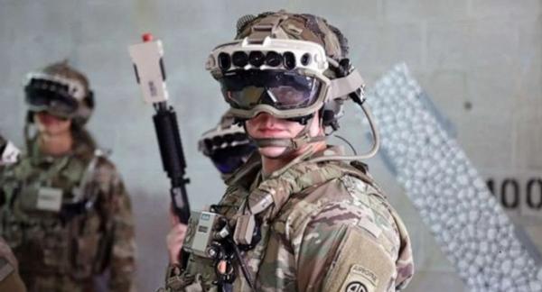 سربازان امریکا با هدست های هوشمند مایکروسافت می جنگند