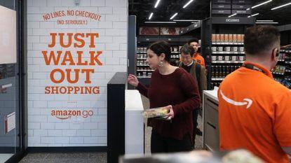 تجربه خرید فناورانه در فروشگاه های آمازون